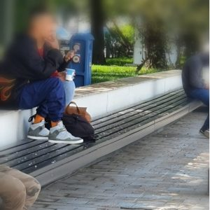 Lipsa bunei purtări, amendată de locali!