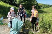 Voluntarii au strâns zeci de saci de gunoaie