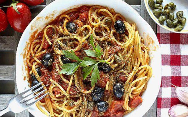 Spaghete puttanesca