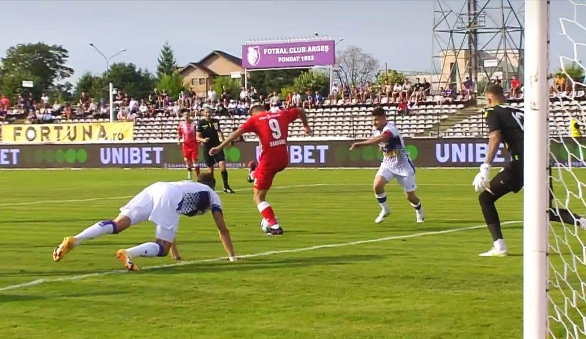 Primarul Gentea, dezamăgit de spectatorii care l-au înjurat și jignit la meciul FC Argeș – UTA