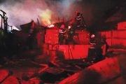 Case distruse de foc, la Miceşti