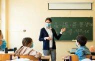 80 de elevi, 21 de profesori infectați