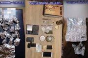 Arestaţi pentru trafic de droguri