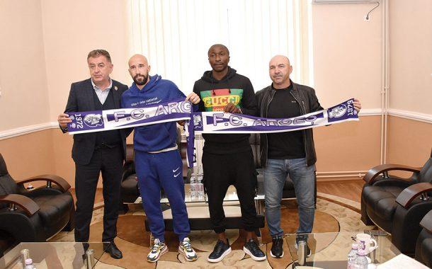 Kehinde Fatai și Iasmin Latovlevici au semnat cu FC Argeș!
