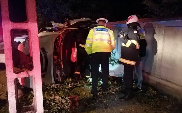 S-au răsturnat cu mașina, la Bascov