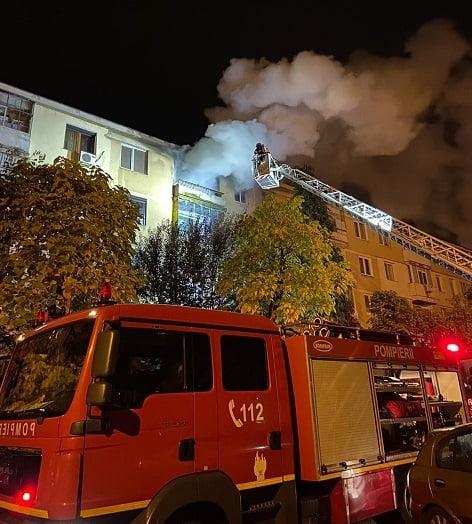 Incendiu la un apartament din Pitești. Proprietarul este rănit!