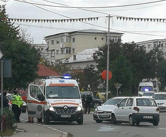 Şoferiţa a rănit grav un bărbat, la Mioveni!